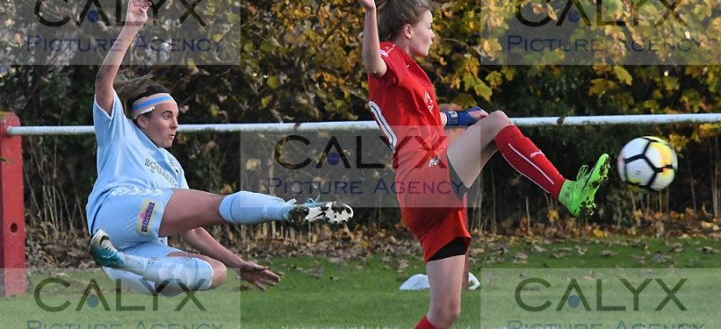 3984 ©Calyx Picture Agency Swindon Town Ladies v Lewes Ladies FC